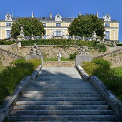 Chateau colbert 2